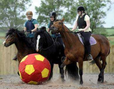 foot et cheval